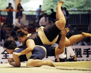 lady_19iht-sumo-.jpg