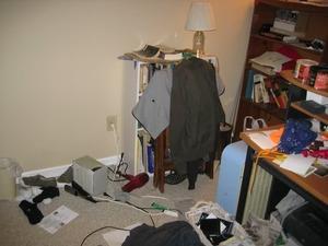 clutter_1_287oqvs.jpg