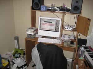 clutter_4_wsu52a.jpg