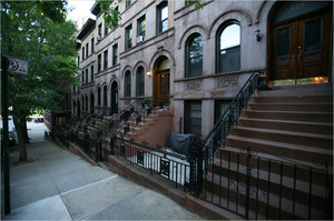 20110612_HamiltonBrownstone.jpg